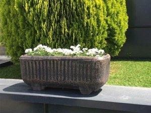 Декоративно пластмасово сандъче за цветя и балкон