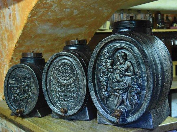 bachvi-dekorativni-za-vino-i-rakiya-ROTO-bureta