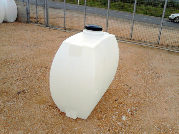 polietilenov rezervoar roto za piteina voda- nadzemen