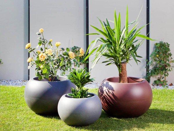 Екстериорни кашпи за озеленяване и обзавеждане на градини и тераси
